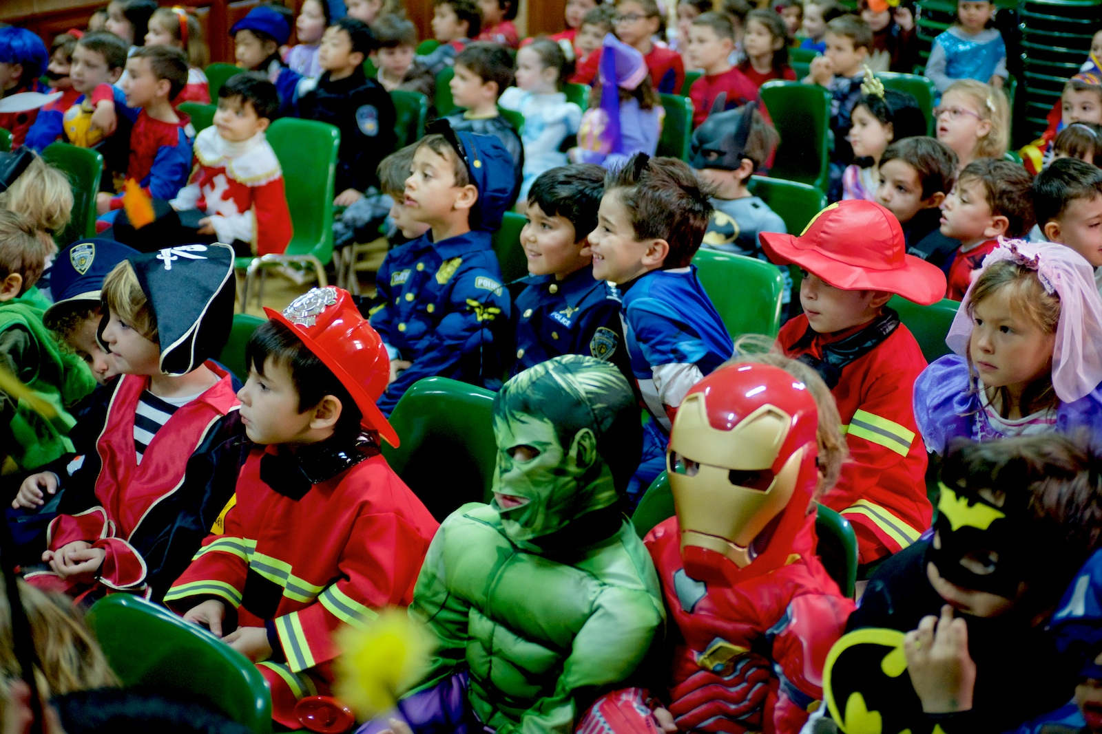Fiesta de disfraces en Colegio Nazaret